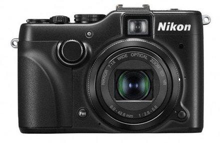 Nikon CoolPix P7100 + 16GB karta + brašna + ministativ + poutko na ruku!