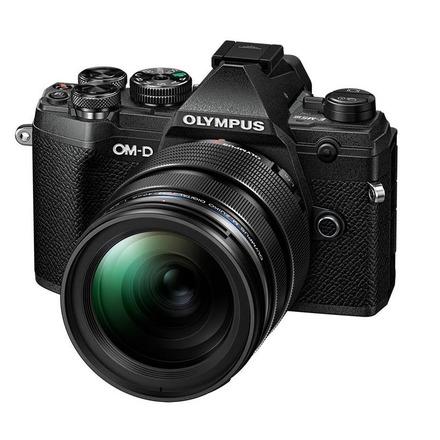 Olympus OM-D E-M5 Mark III + 12-40 mm PRO