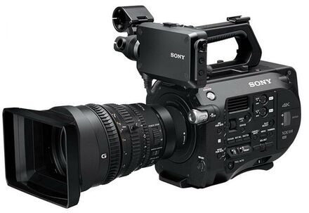 Sony PXW-FS7 + 28-135mm f/4,0 G OSS