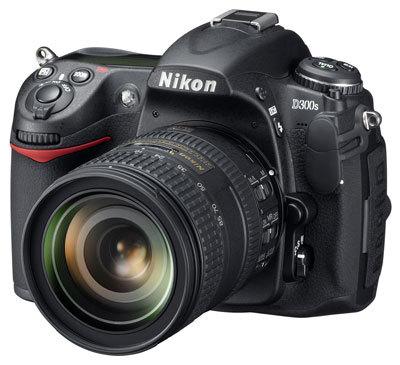 Nikon D300s + 18-200 mm VR II